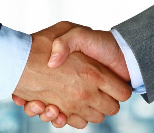 Frans PIXID neemt Nederlandse marktleider Carerix over